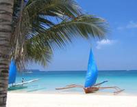 Strand und Boot auf den Philippinen