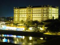 Schloss bei Nacht in Portugal