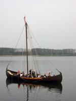 Auswandern nach Skandinavien - hier auf Boot auf einem See