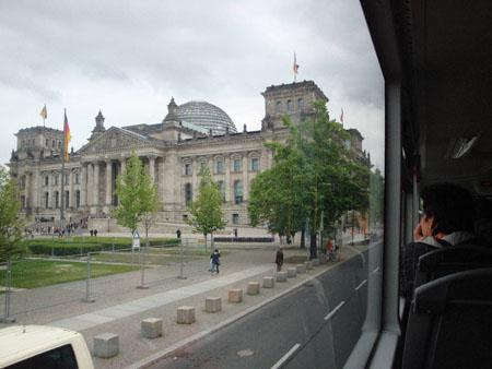 Bus 100 am Reichstag