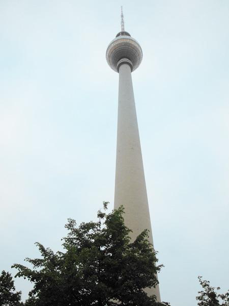 Der Fernsehturm, ein ehemaliges Prestigeobjekt des Ostens.