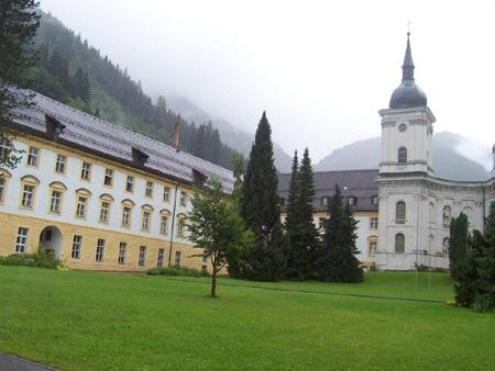 Innenhof des Klosters Ettal