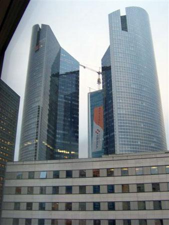 Wolkenkratzer modernster Bauart in Paris, La Défense