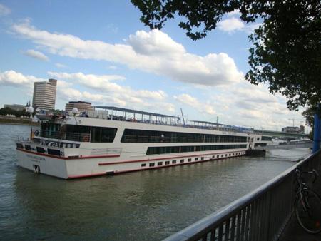 Ausfllugsboot auf dem Rhein