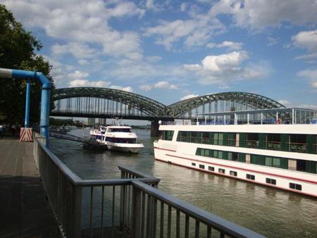 Personenschiffahrt auf dem Rhein