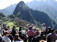 Touristen auf dem Machu Picchu