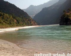 Fluss Tamur Nepal