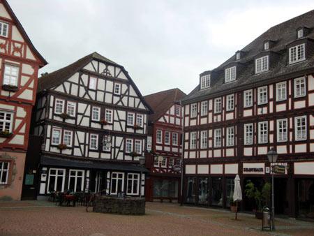 Fachwerkhäuser am Marktplatz von Grünberg