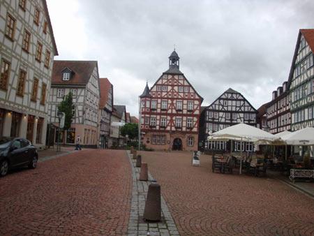 Marktplatz mit Rathaus in Grünberg, Hessen