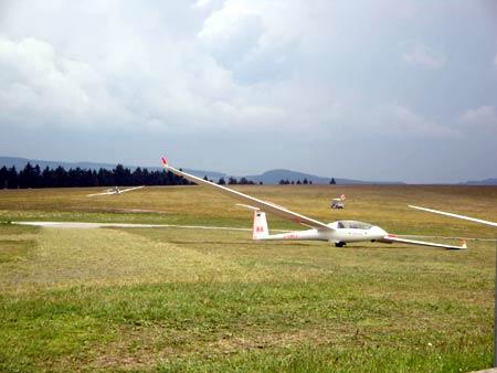 Segelflieger / Segelflugzeuge auf der Wasserkuppe, Rhön