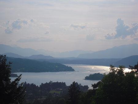 Panoramablick über Pörtschach und den schönen Wörthersee