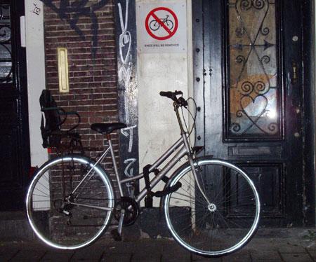 Fahrräder verboten - Schild in Amsterdam