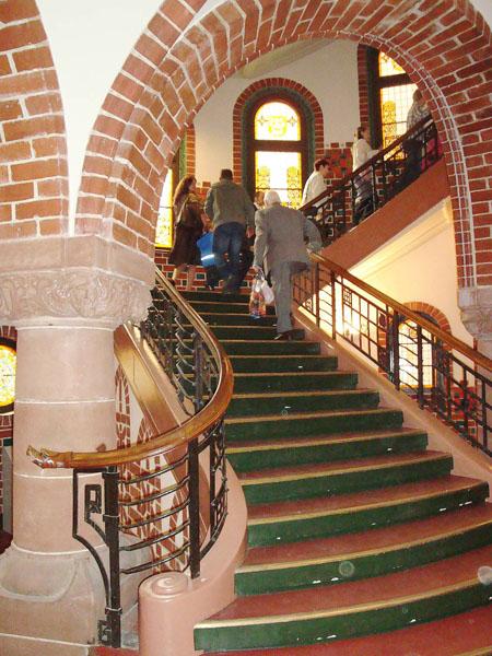 Prunkvoller Aufgang im Rathaus