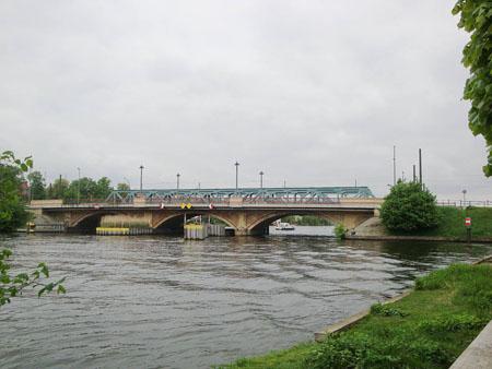 Spreebrücke nach Berlin