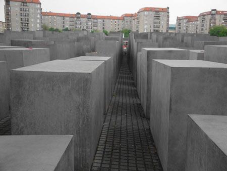 Labyrinth Betonstelen Berlin