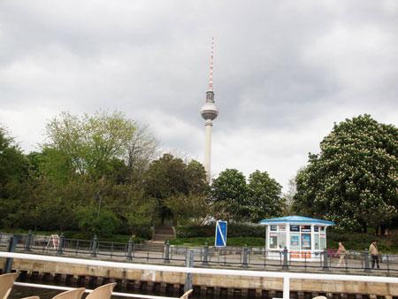 Der Fernsehturm am Alex