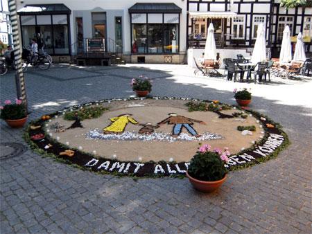Marktplatzschmuck: Sandbilder zum Erntedank
