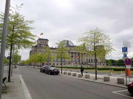Der Reichstag mit seiner Glaskuppel
