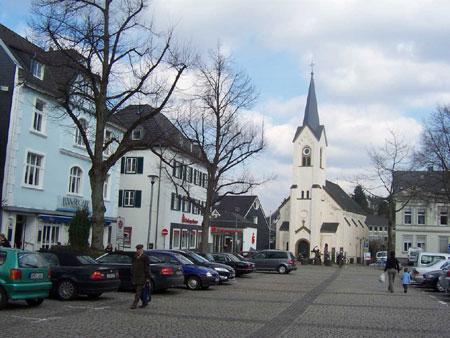 Marktplatz mit evangelischer Kirche