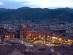 Skyline von Peru bei Nacht