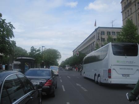 Unter den Linden mit Russischer Botschaft