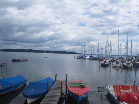 Segelhafen mit Blick auf die Herreninsel