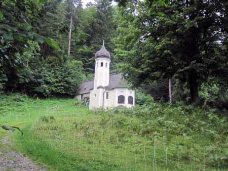 Die Ölbergkapelle im Wald