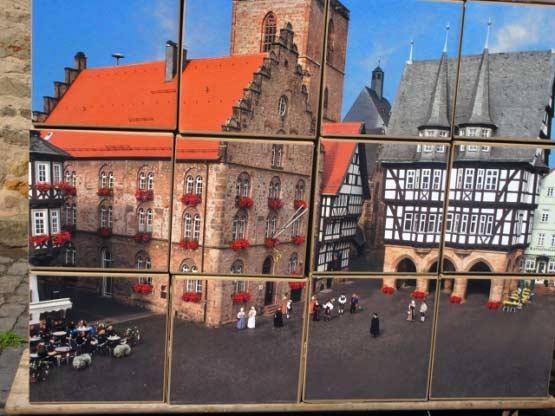 Wandgemälde: Rathaus mit Walpurgiskirche