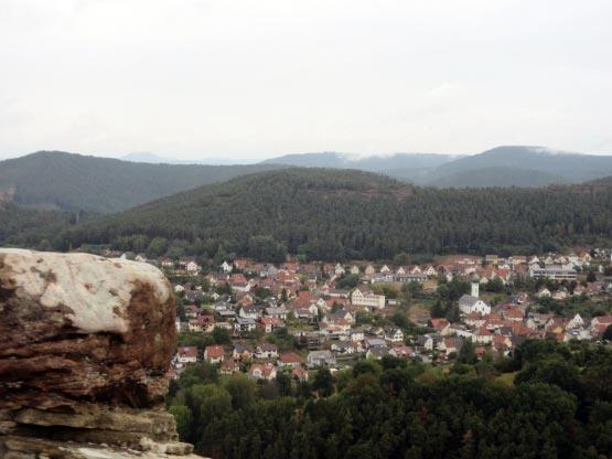 Weit reicht der Blick über Busenberg