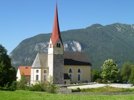 Ausganspunkt bei der Kirche in Eben