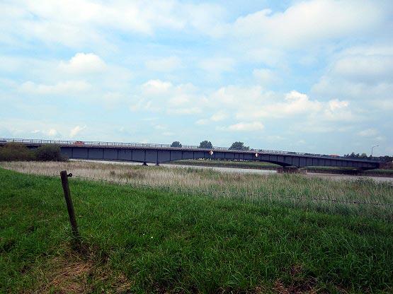 Die B70 - Leda-Brücke nach Leer
