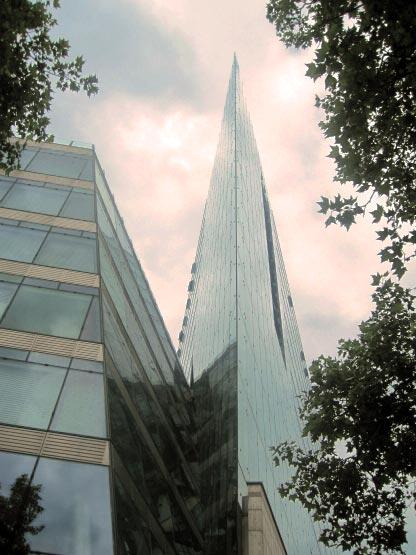 Spitzes Glashaus