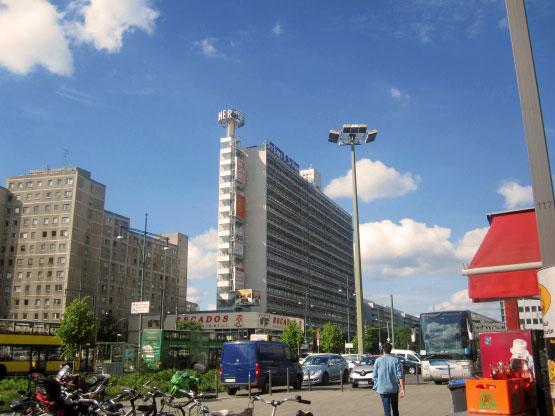 Berliner Zeitung am Alexanderplatz