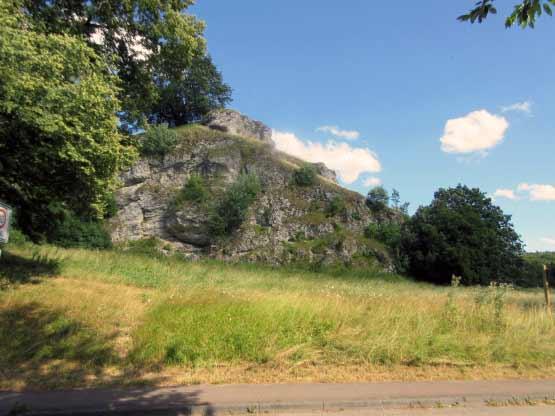 Der Burgstall mit Höhle