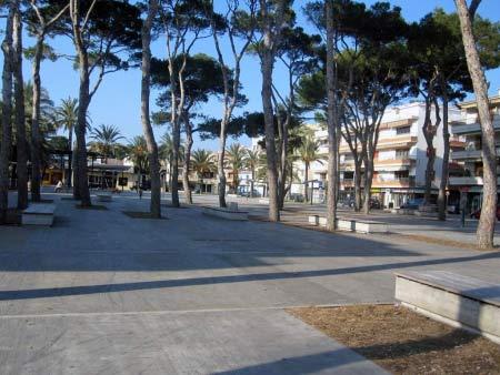 Cala Ratjada Palmenplatz