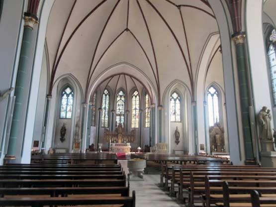 Ein einmalig heller Kirchenraum