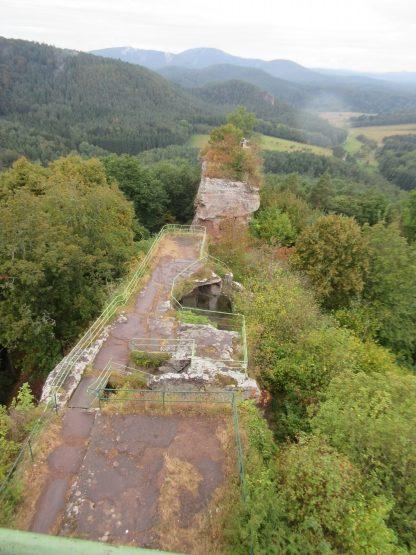 Blick von oben auf die mittleren Burgteile.