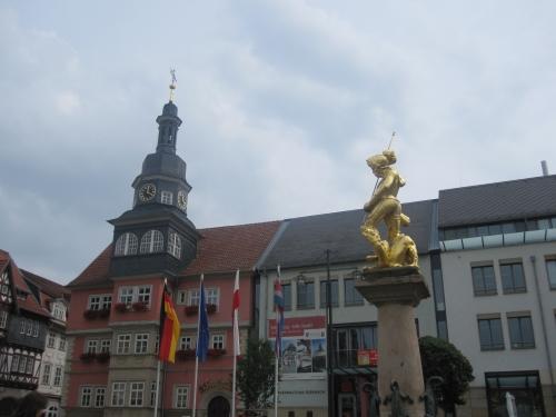 Rathaus und Marktbrunnen