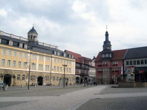 Stadtschloss und Rathaus