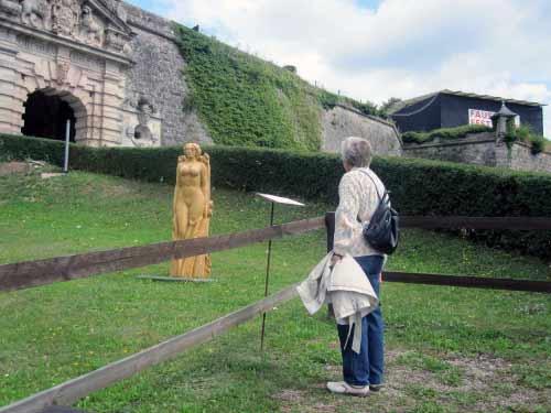 Kunstausstellung vor der Burg
