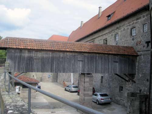 Verbindungsbrücke zwischen Mauer und Festung