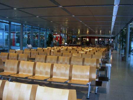 Flughafen Paderborn Warteraum