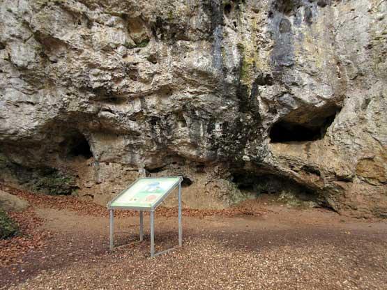 Kleine Vorhöhlen im Kartstein