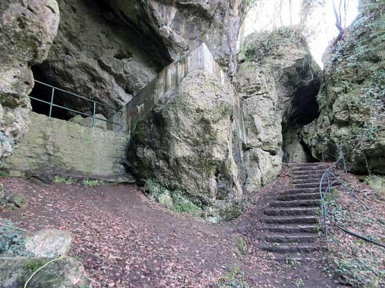 Aufgang zur Kleinen Höhle