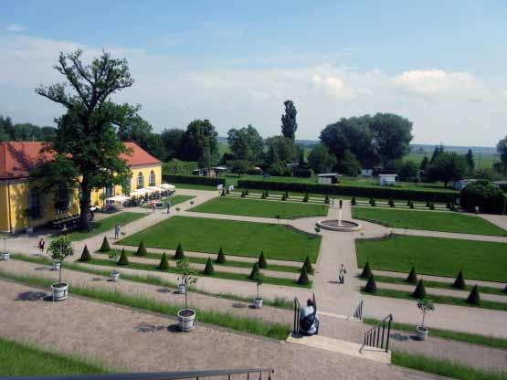 Der Klostergarten mit der Gaststätte