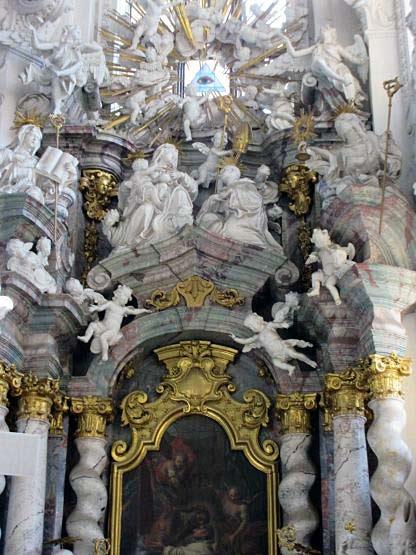 Dutzende weiße Engel