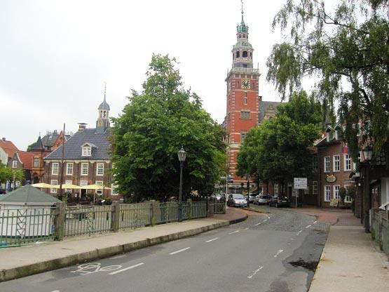 Leer Rathaus und Waage