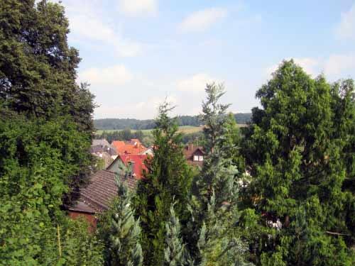 Blick von der Kirchenanhöhe