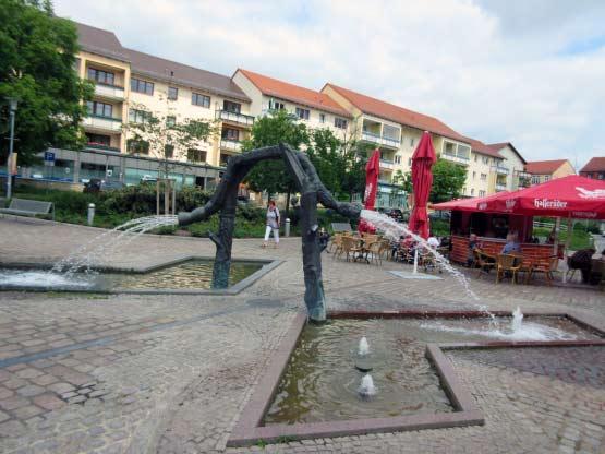 Merseburg - Entenplan Brunnen und Cafés