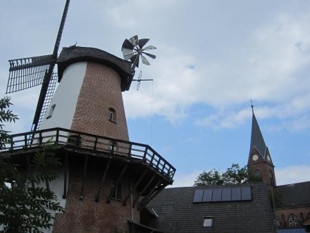 Mühle und Kirche